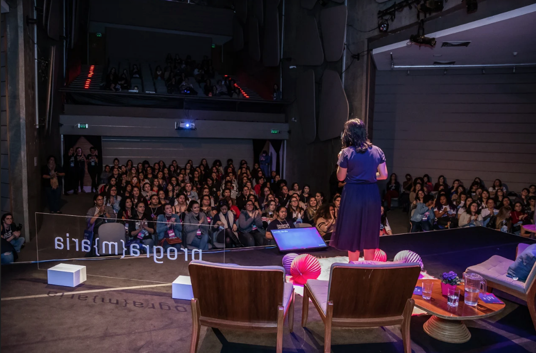 PrograMaria Summit aproxima mulheres desenvolvedoras a empresas de tecnologia